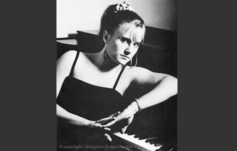 Andrea Vicary, 1986