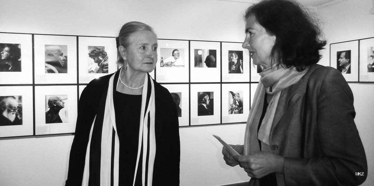 Erika Schmied und Ute Felgendreher bei der Fotobuchpräsentation Erika Schmied 2011
